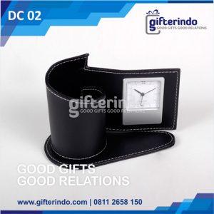 Desk Clock Tempat Pensil Kulit