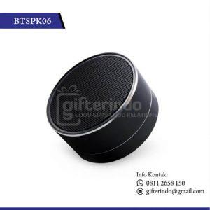 Speaker Bluetooth Hitam