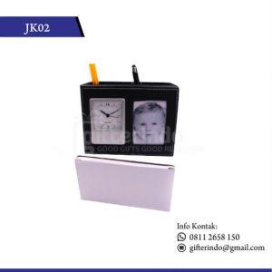 JK02 Jam Kulit dan Tempat Foto
