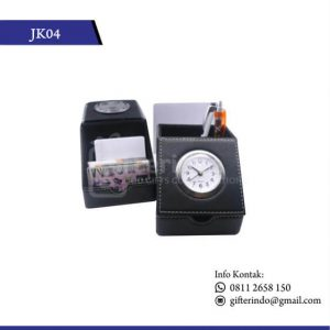 JK04-Jam-Meja-Kulit-Eksklusif
